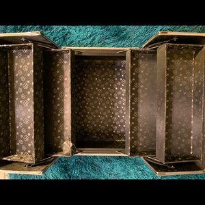 Caboodle train makeup box